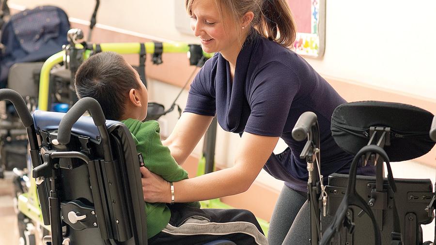 Relación entre el soporte del tronco y la estabilidad de la cabeza en niños con parálisis cerebral de moderada a grave