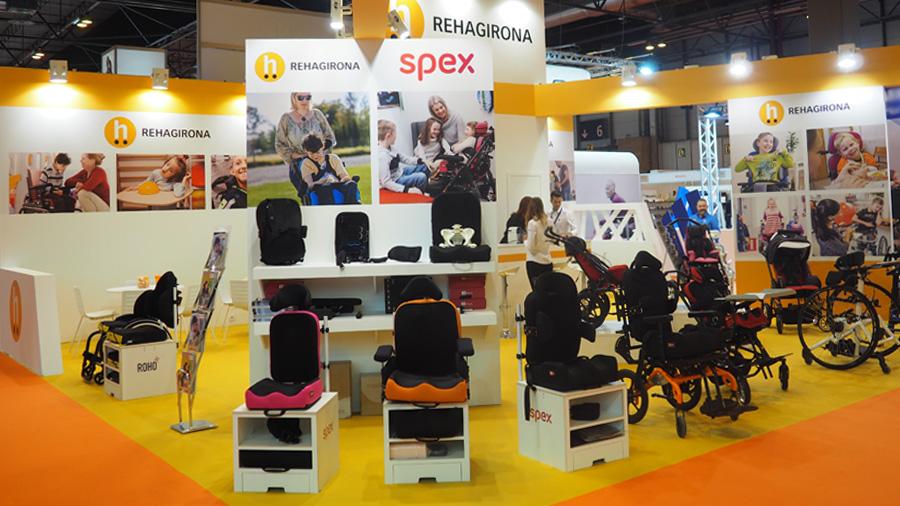 La silla de interior Atom y diferentes cojines y respaldos de Spex, principales novedades que Rehagirona ha presentado a la feria OMC